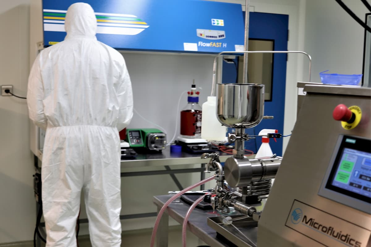 GMP manufacturing of vaccine nanovectors in StaniPharm's clean rooms